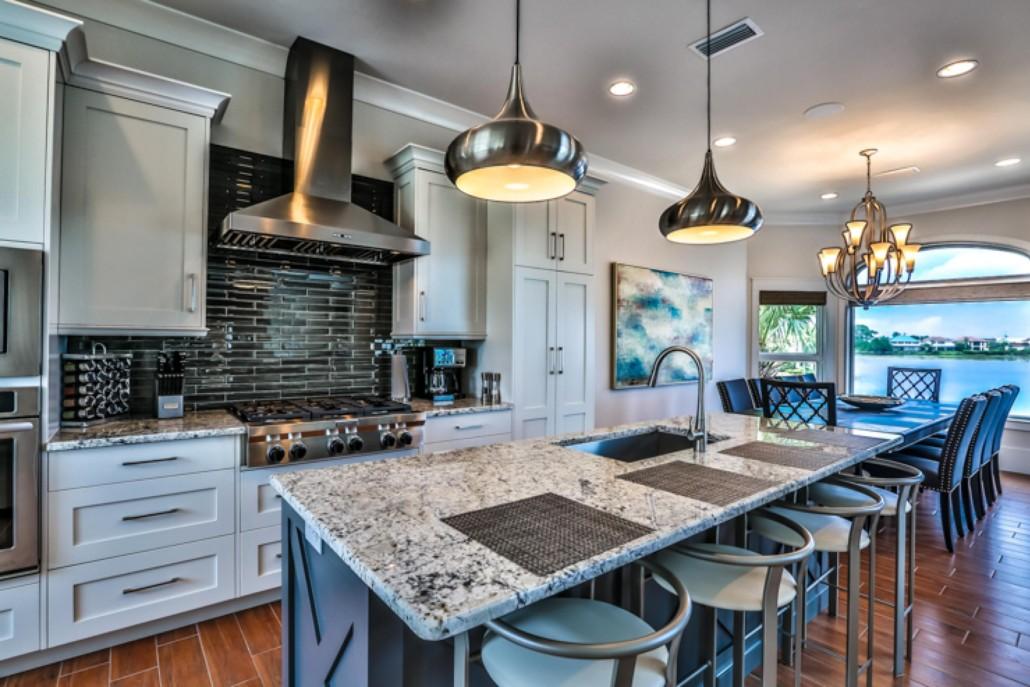 Property Spotlight: Lakefront Residence